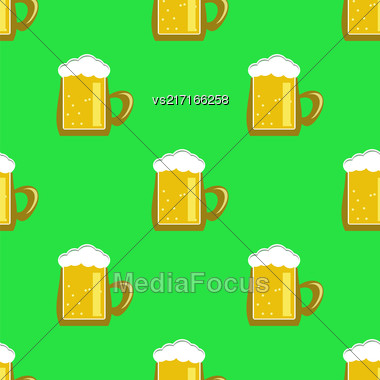 Beer Mug Isolated On Green Background. Seamless Pattern Stock Photo