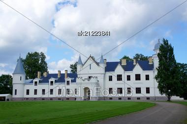 Castle In The East Of Estonia. Alatskivi Stock Photo