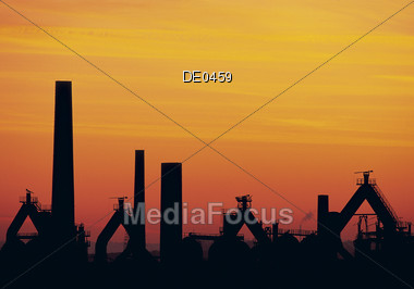 plant refinery manufacturing rig well Stock Photo