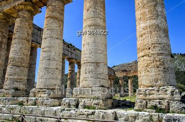 Doric temple in Segesta, Italy Stock Photo