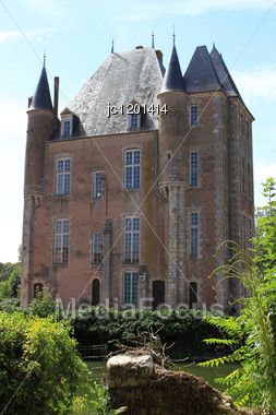 Field Or Castle Of Bellegarde And Its Gardens Stock Photo