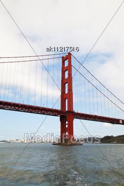 Golden Gates Bridge In San Francisco In The Morning Stock Photo