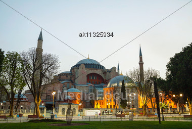 Hagia Sophia In Istanbul, Turkey Early In The Evening Stock Photo