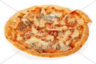 Hawaiian Pizza With Roasted Chicken, Pineapple, Garlic And Mozzarella Cheese Stock Photo