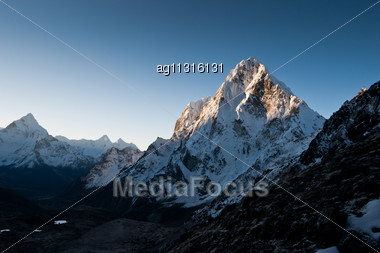 Himalayas: Cho La Pass At Dawn. Hiking In Nepal Stock Photo