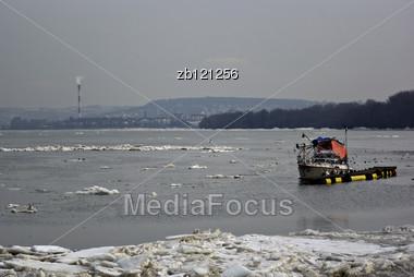 Ice Blocks Floating In Danube River Near Belgrade, Serbia, At Somber Winter Day. Stock Photo