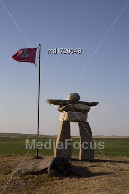 Inukshuk Inukchuk Saskatchewan Canada Greeting At Border Stock Photo