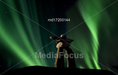 Inukshuk Inukchuk Saskatchewan Northern Lights Aurora Scenic Stock Photo