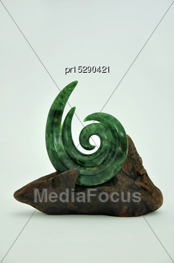 Jade Carving Set On A Driftwood Display Stand, West Coast, South Island, New Zealand Stock Photo