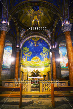 JERUSALEM - DECEMBER 13: Interior Of The Church Of All Nations On December 13, 2013 In Jerusalem. It's A Roman Catholic Church Located On The Mount Of Olives In Jerusalem, Next To The Garden Of Gethse Stock Photo