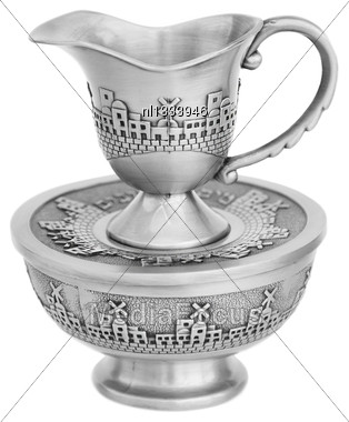"""""""Mayim Achronim"""" - Final Water Wash Cup For Ritual Washing Hands After Meal In Judaism Stock Photo"""