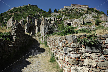 Mystras Is A Fortified Town Situated On Mt. Taygetos, Near Ancient Sparta, It Served As The Capital Of The Byzantine Despotate Of The Morea In The 14th And 15th Centuries Stock Photo