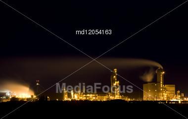 Night Shot Fertilizer Refinery In Saskatchewan Canada Stock Photo
