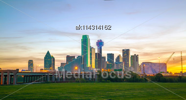 Overview Of Downtown Dallas In The Morning Stock Photo