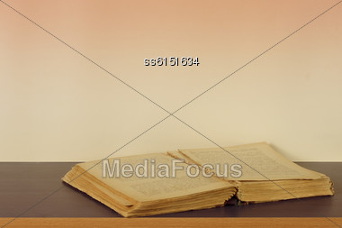 Retro Open Book And Background Is Blank Place For Text Stock Photo