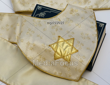 Star of David on stole with Bible Stock Photo