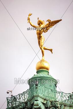 Statue On Top Of The July Column At Place De La Bastille In Paris Stock Photo