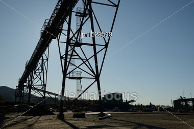 Steel Infrastructure For Loadout Facilities At A Coal Mine Stock Photo