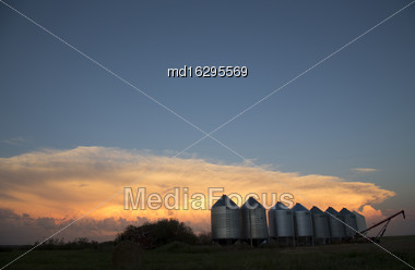 Storm Clouds Saskatchewan Prairie Scene Anvil Cloud Stock Photo