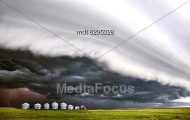 Storm Clouds Saskatchewan Shelf Cloud Ominous Warning Stock Photo