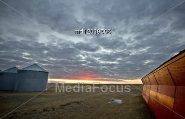 Sunset Saskatchewan Canada Red Sky Farm Granary Barn Stock Photo