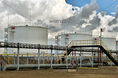 Vertical Steel Tanks For The Storage Of Petroleum Products Stock Photo