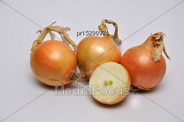 Whole And Sliced White Onions On A Seamless Background Stock Photo
