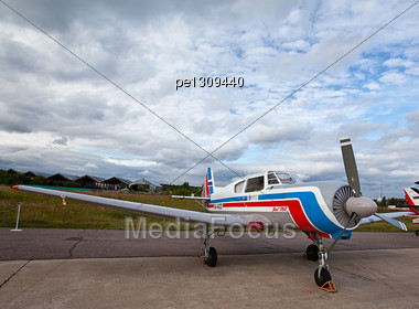 ZHUKOVSKY, MOSKOW - AUGUST 20 2009: The International Aviation And Space Salon MAKS Russia. AirShow At Airfield Gromov Flight Research Institute. Airplane YAK 18T On August 20, 2009 In Zhukovsky, Mosc Stock Photo